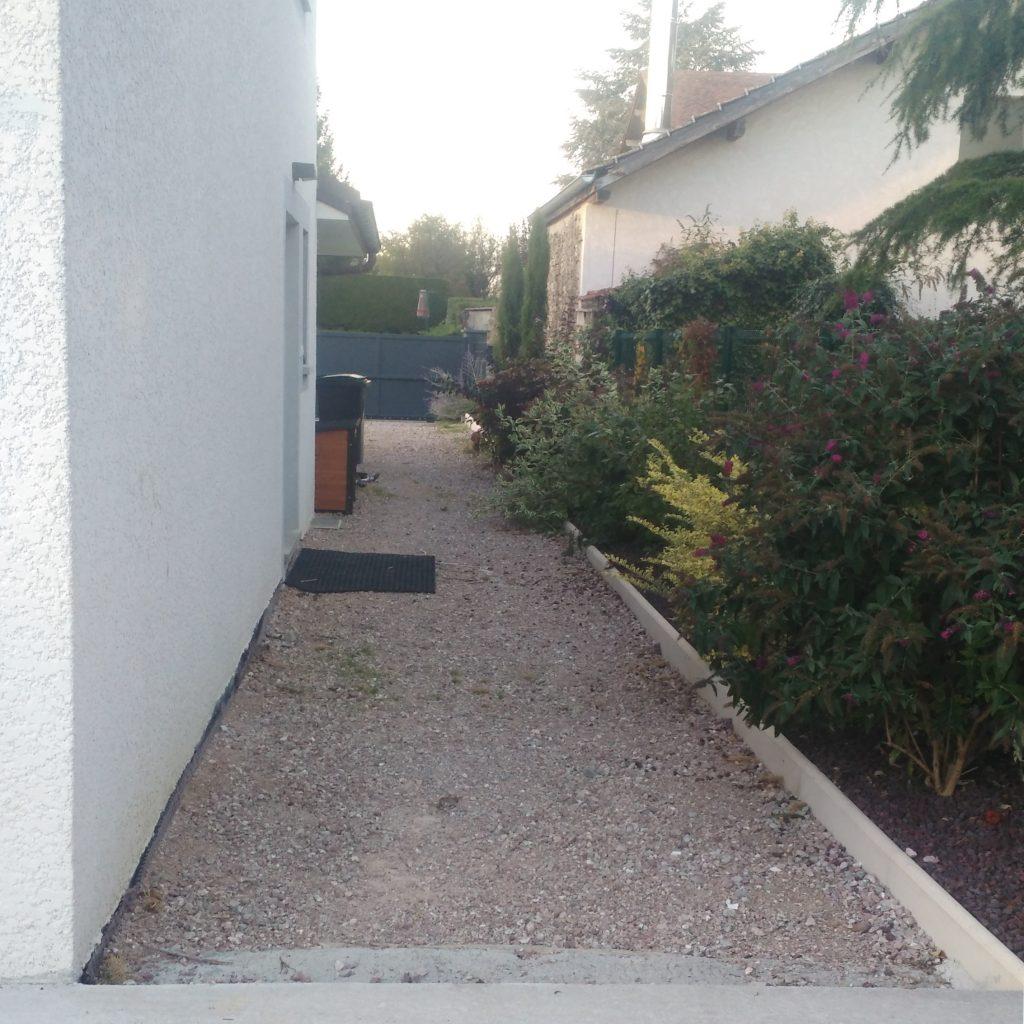 aménagement extérieur d'une maison à Messery avant travaux