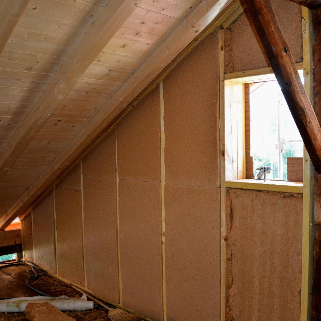 Photo d'une ossature bois isolée avec de la fibre de bois à Publier 74500.
