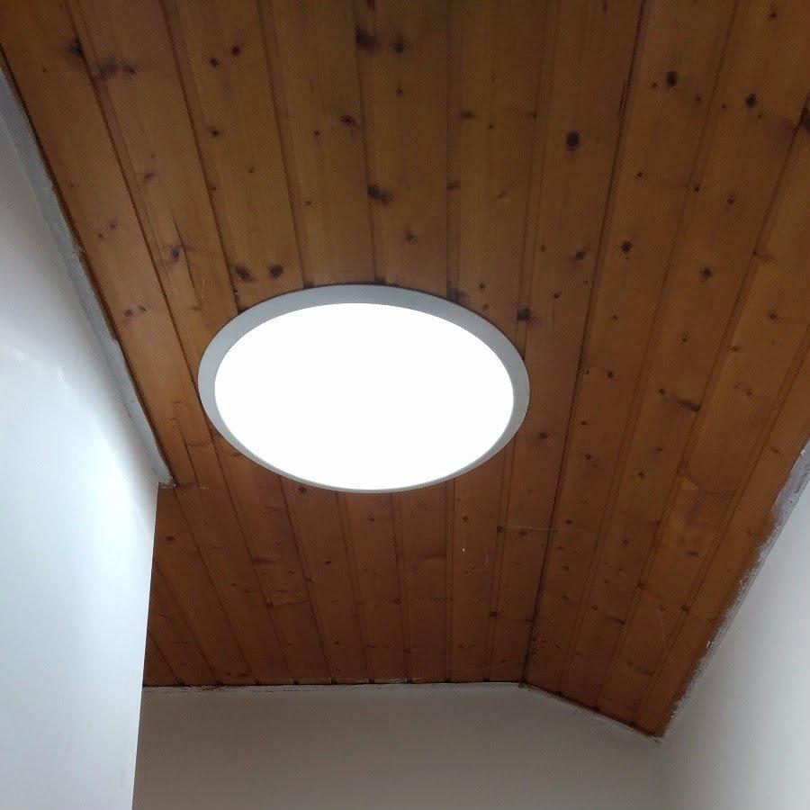 Photo d'un puit de lumière prise depuis la cage d'escalier à Perrignier 74550