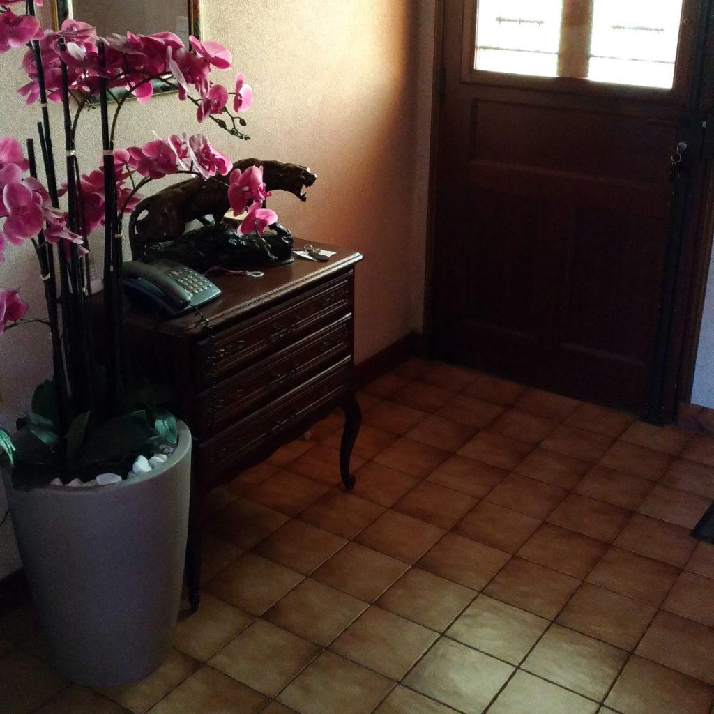 Photo prise avant travaux d'une entrée de maison à Perrignier (74550)